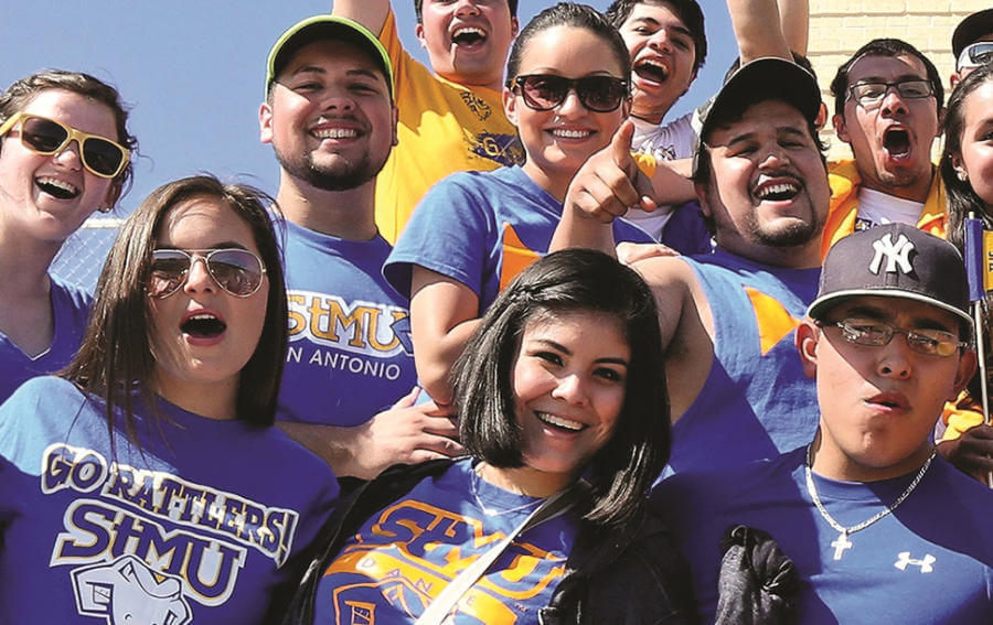Group of smiling StMU students