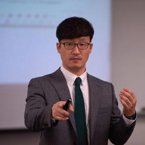 Daniel Kim, Ph.D., teaching in classroom