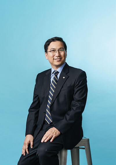 Seongbae Lim, Ph.D., Big Solve cover shoot, Gold & Blue