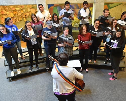 choir students rehearsing